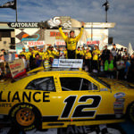 2011_20Phoenix_20Nov_20NNS_20Race_20Hornish_20Victory_20Lane_large