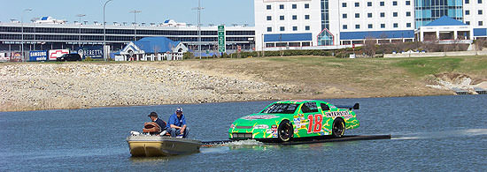 Kyle Busch, Captian of S.S. Interstate Batteries No. 18?